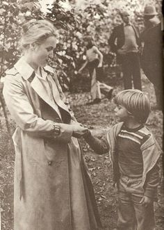 """Meryl (clearly pregnant) during the filming of """"Kramer vs Kramer"""" with co star Justin Henry"""