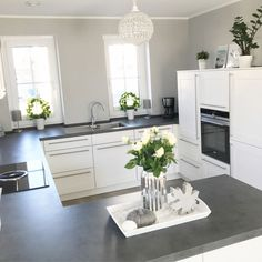 59 Inspiring Kitchen Cabinet Colors and Ideas ~ Beautiful House Home Decor Kitchen, Interior Design Kitchen, Kitchen Modern, Ikea Kitchen, Kitchen Living, Country Kitchen, Kitchen Ideas, Living Room, Grey Kitchens
