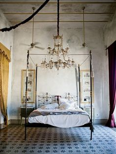 Chandelier and four-post bed the hacienda of Jorge Marín, Mèrida, Mexico - refurbished room at the Coqui Coqui guesthouse, inspired by the belle époque period Dream Bedroom, Home Bedroom, Master Bedroom, Bedroom Decor, Bedroom Ideas, Fantasy Bedroom, Bedroom Designs, Bedroom Wall, Bedroom Interiors