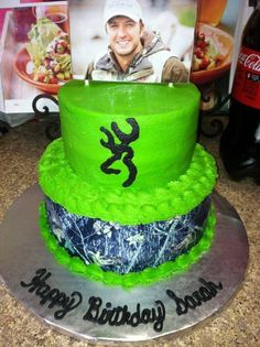 A Luke Bryan and browning cake Country Birthday Cakes, Camo Birthday Cakes, Camo Cakes, Sweet 16 Birthday, Birthday Cake Girls, 16th Birthday, Birthday Ideas, Luke Bryan Birthday, Brithday Cake
