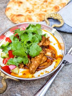 Recipe for Tel Avivian style chicken shawarma with tahini yoghurt. It may also be served as a sandwich in a wrap or pita. Turkish Recipes, Asian Recipes, Ethnic Recipes, Easy Recipes, Best Dishes, Main Dishes, Schawarma Rezept, Chicken Spices, Bon Appetit
