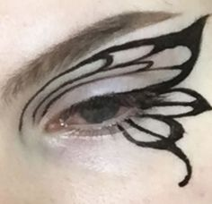 Image about grunge in ..ghosting... by Lain on We Heart It Punk Makeup, Dope Makeup, Edgy Makeup, Makeup Eye Looks, Grunge Makeup, Eye Makeup Art, No Eyeliner Makeup, Pretty Makeup, Makeup Inspo