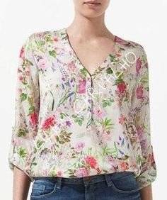 I love this style it gives me the coverage for my arms and I love the print Mom Outfits, Fashion Outfits, Womens Fashion, Blouse Styles, Blouse Designs, Sewing Blouses, Corsage, Size Clothing, Tunic Tops