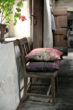 ANTA Ochil & Cairngorm Cushions sit wonderfully together. The handmade ANTA cushions are available in a wide range of British fabrics such as wool tweeds, linens, worsted wools & lambswool cottons. http://anta.co.uk/made-in-scotland/cushions #cushion #interiordesign #anta