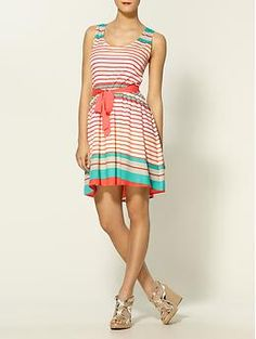 I keep coming back to this dress...love the colors. Maybe I just am craving warm weather.