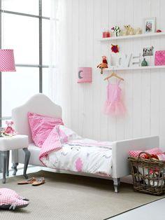 Lovely in pink, een snoepje van een meisjeskamer..