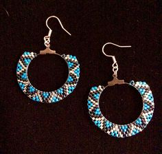 IMG_2480 Beaded Earrings Patterns, Bead Loom Patterns, Beading Patterns, Crochet Earrings, Bead Jewellery, Boho Jewelry, Jewelery, Brick Stitch Earrings, Seed Bead Earrings