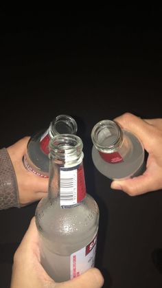 drinks - Design for Life Night Aesthetic, Bad Girl Aesthetic, Party Drinks Alcohol, Alcoholic Drinks, Teen Drinks, Alcohol Aesthetic, Aesthetic Food, Smirnoff, Absolut Vodka