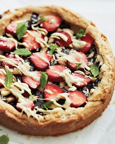 chocolate, strawberry, & macadamia dessert pizza with a sugar cookie crust sweet paul.
