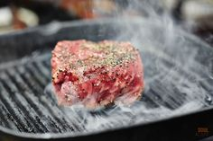 Historia dobrego steka. Na początku było świeże mięso i przyprawy...