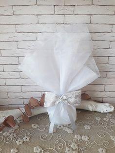 Μπομπονιέρα γάμου με λευκό τούλι, κορδέλα γκρι με δαντέλα πάχους 4cm και πέρλα. Περιέχει 5 κουφέτα χατζηγιαννάκη κλασικά αμυγδάλου.#γάμος #νύφη #εκκλησία #bride #wedding#μπομπονιερες #μπομπονιεραγαμου #μπομπονιέρες #μπομπονιέρα #μπομπονιερεσ #μπομπονιερεςγαμου #μπομπονιερα #τούλι #μπομπονιερες_γαμου #mpomponieres_vintage #mpomponieresgamou #mpomponiera #mpomponieragamou #mpomponieres #mpomponieresgamouwedding Paper, Beauty, Vintage, Vintage Comics, Beauty Illustration