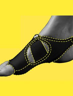 PigaONE: Minimalist foot support gear for barefoot sports