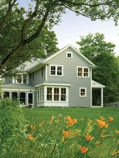 Exterior Farmhouse Design, Pictures, Remodel, Decor and Ideas - page 3 color bump out in back if needed Farmhouse Exterior Colors, Farmhouse Windows, Exterior Paint Colors, Exterior House Colors, Farmhouse Design, Exterior Design, Farmhouse Style, American Farmhouse, Kitchen Windows