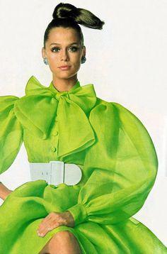 Lauren Hutton by Alexis Waldeck Vogue 1968