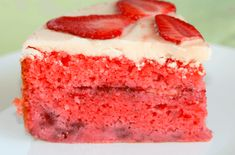 Strawberry Cake 1 hour to prepare serves INGREDIENTS 2 cups all-purpose flour 2 cups sugar 1 cup vegetable oil 1 cup strawberries, mashed and undrained 1 cup strawberries, thinly sliced cup milk 4 eggs 1 box oz) strawberry jello mix 1 teaspoon Strawberry Cream Cakes, Strawberry Recipes, Strawberries And Cream, Strawberry Shortcake, Strawberry Jello, Frosting Recipes, Cake Recipes, Dessert Recipes, Dessert Ideas