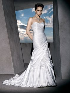 Classic Trumpet Satin Strapless Bridal Gown with Ruched Sweetheart Neck and Lace-up Back