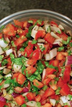 Recipe EASY Pico De Gallo ~ Why not whip this up for your next Friday night taco fest? This recipe calls for lemon juice, but I often substitute the juice of one whole lime instead. I Love Food, Good Food, Yummy Food, Mexican Dishes, Mexican Food Recipes, Salada Light, Appetizer Recipes, Appetizers, Comida Latina