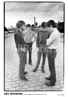 Joy Division-Strawberry Studios 1979 People Poster - 58 x 84 cm