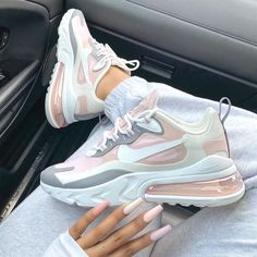 Nike air Max 270 react 'plum chalk'✨👟 📸 @sherlinanym Rate these 1-10 🔥