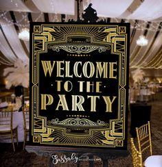 Es ist eine DRUCKBARE Gatsby Art-Deco-Party Poster INSTANT DOWNLOAD - in 3 verschiedenen Größen! Willkommen Sie zur Party die perfekte Zeichen für Ihre Hochzeit, Bridal Shower oder Geburtstagsparty!  Sehen Sie mehr in unserem Etsy-Shop: sassabyweddings.etsy.com  Sassaby Hochzeiten befindet sich in AUSTRALIEN. Alle Nachrichten und E-Mails beantwortet zwischen 08:00-20:00 AEST {UTC/GMT + 10 Stunden} -------------------------------------------------------------------------------------------...