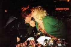 Kurt Cobain ❤ Courtney Love