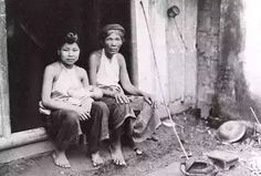 Chinese in Vietnam in early Tonkinese, Vietnam History, Hanoi Vietnam, Old Photos, Chinese, Tonkinese Cat, Antique Photos, Vintage Photos, Old Pictures