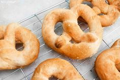 Vegan soft pretzel recipe