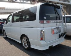 Viewed from the rear the Nissan Elgrand Rider with optional ladder