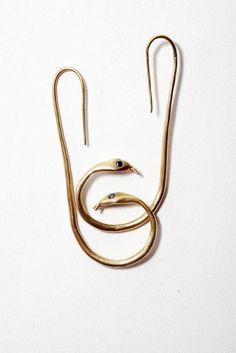 Découvrez des bijoux fantaisie tendance et idées cadeau bijoux femme. Les… #cartonmagazine
