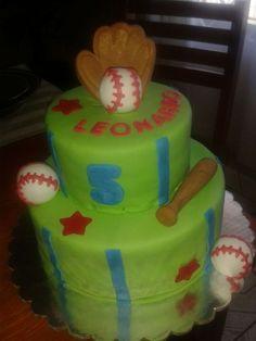 Base ball cake