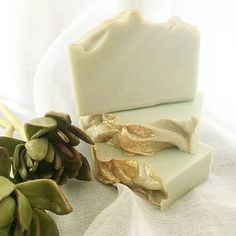 This natural soap bar is a little spicy and warm, a fruity and fresh. A creamy, dreamy extra-moisturising soap! Green Clay, Bath Melts, Luxury Soap, Bar Soap, Lotions, Shea Butter, Pear, Third, Moisturizer