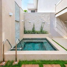 25 Gorgeous Small Pool Design For The Backyard 14 Small Swimming Pools, Small Backyard Pools, Backyard Patio Designs, Small Pools, Swimming Pools Backyard, Swimming Pool Designs, Pool Decks, Pool Landscaping, Terrasse Design