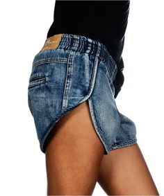 denim shorts, side seam detail, retro denim,