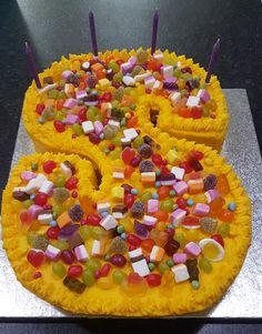 Homemade Cakes, How To Make Cake, Tree Skirts, Christmas Tree, Holiday Decor, Home Decor, Homemade Muffins, Teal Christmas Tree, Homemade Home Decor