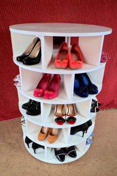 Obrotowa szafka na buty http://olx.pl/oferta/obrotowa-szafka-na-buty-CID628-ID8zJkB.html