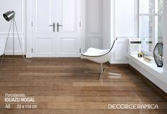 Los porcelanatos estilo madera han evolucionado en términos de diseño, y si bien continúan reproduciendo con gran detalle las vetas y nudos de la madera, ahora estos rasgos se apreciarán en todo su esplendor gracias a la superficie brillante.