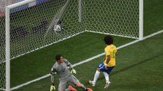 Autogol de Marcelo, en el partido inaugural de la Copa Mundial de la FIFA Brasil 2014, entre las Selecciones de Brasil y Croacia | Ximinia