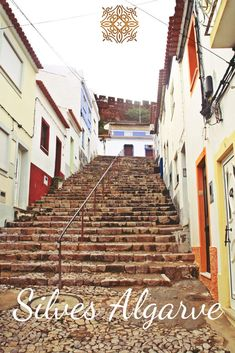Things to do and places to visit in Silves, Portugal (Algarve). Here you will find photos of Silves old town, the town of São Marcos da Serra, São Bartolomeu de Messines, Silves beaches, hotels, restaurants, things to do, events, properties and much more. Travel with us, your luxury concierge in the Algarve! | Qué hacer y qué visitar en Silves, Portugal (Algarve). Aquí encontrará fotos de Silves, playas de Silves, hoteles, restaurantes, cosas para hacer, eventos y mucho más. #portugal #algarve Silves Portugal, Baroque Architecture, Medieval Town, Old Farm, The Dunes, Algarve, Day Tours, Old Town, Great Places