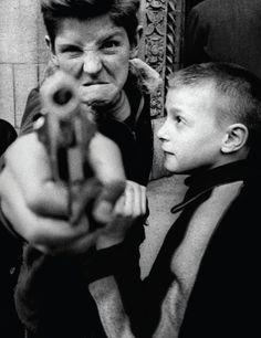 William Klein :: Gun n.1, Broadway and 103rd Street, NYC, 1954