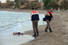 News media debate whether to show photo of dead refugee child #ethics