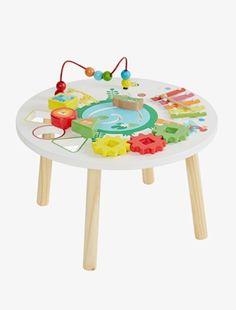 Mit dem farbenfrohen Baby Spielcenter können sich Kleinkinder toll beschäftigen und viel entdecken! Mit Murmelbahn, Steckspiel und Krokodil werden Feinmotorik und Koordination geschult. Ein tolles Geschenk! Produktdetails:Activity-Center von vertbaudet: Holz. Höhe 29 cm, Durchmesser 45 cmKugelbahn. Steckspiel mit 3 Formen. Labyrinth, Krokodilbahn, Zahnrad, Xylophon. Ab 12 Monate. Das Kind lernt Farben und Formen kennen. Regt Gehör, Feinmotorik und Fantasie an. Selbstmontage.;