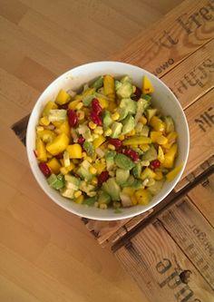 easy and quick :) Mango Salat, Avocado Salat, Summer Salads, Fruit Salad, Super, Beans, Lime, Dinner, Vegetables