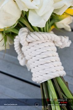 Nautical Bouquet - wrapped in rope - Coastal Wedding - Yacht wedding Boat Wedding, Yacht Wedding, Cruise Wedding, Seaside Wedding, Diy Wedding, Dream Wedding, Coastal Wedding Flowers, Wedding Souvenir, Coastal Wedding Ideas
