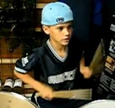 Justin Bieber when he was little playing the drums, so adorable! Justin Bieber Baby, Drums, Handsome, Actresses, Men, Wordpress, Babies, Sandals, Female Actresses