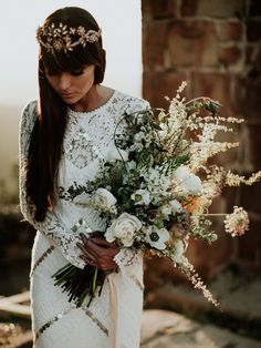 When I picked 'wild beauty' as an editorial theme, there was one thing I couldn't wait to include, and that was a roundup of wild bouquets. Wild, organic, hand-tied, unstructured …