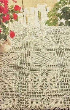 Toca do tricot e crochet Crochet Bedspread Pattern, Crochet Motif, Knit Crochet, Crochet Table Runner, Crochet Tablecloth, Crochet Home, Irish Crochet, Doily Patterns, Crochet Patterns