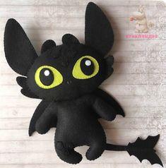 How To Train Your Dragon felt idea Felt Crafts Diy, Polymer Clay Crafts, Cute Crafts, Sewing Crafts, Sewing Projects, Felt Animal Patterns, Stuffed Animal Patterns, Felt Bookmark, Dragon Birthday