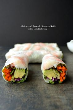 Shrimp and Avocado Summer Rolls. Shrimp and Avocado Summer Rolls I Love Food, Good Food, Yummy Food, Tasty, Healthy Snacks, Healthy Eating, Healthy Recipes, Healthy Wraps, Antipasto