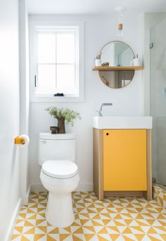 Spanish Beach Bungalow — Raili Ca Design New Bathroom Ideas, Bathroom Design Small, Bathroom Layout, Bathroom Colors, Yellow Bathrooms, Vintage Bathrooms, White Bathroom, Small Bathrooms, Room Tiles