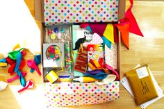 Party pack contents shown in delivery box